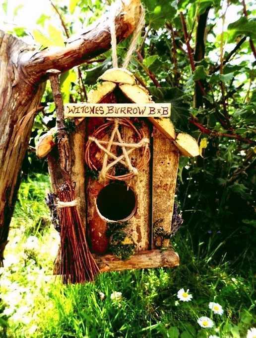 Скворечник в стиле домик ведьмы