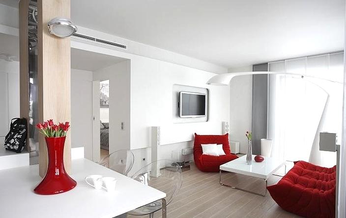 Гостиная с элементами дизайна в красном цвете