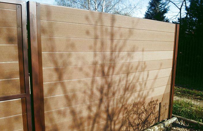 красивый забор из композитной доски