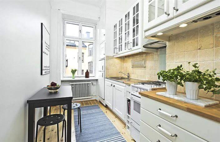 узкая кухня с однорядной конфигурацией пространства