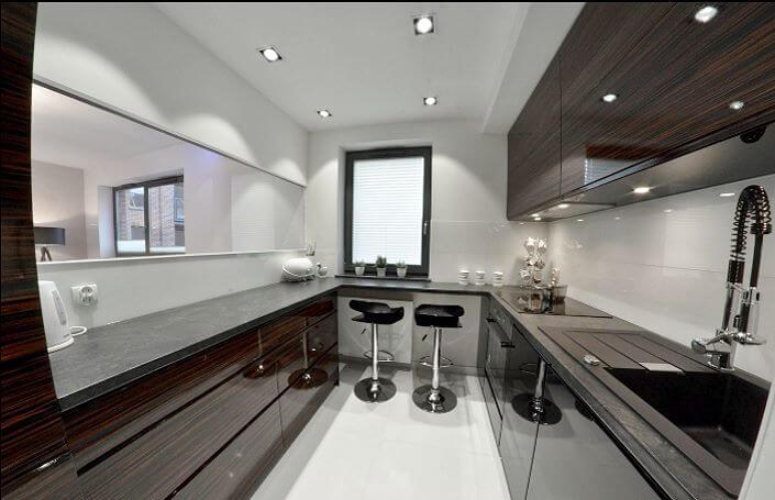 узкая кухня с U-образной конфигурацией