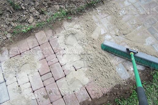 Засыпка швов песком - фото 1