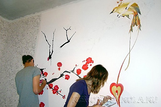 Стена с художественной росписью-2