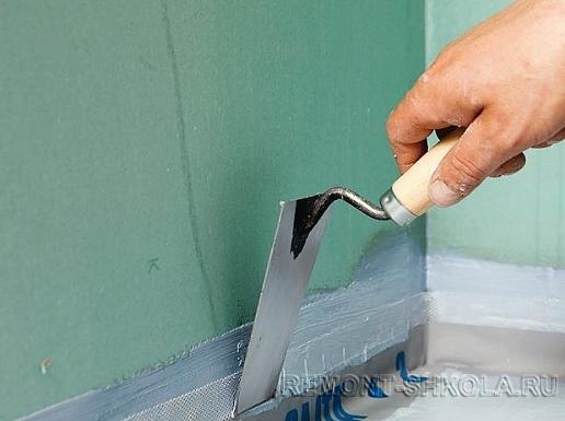 Дополнительная герметизация соединения пола и стен