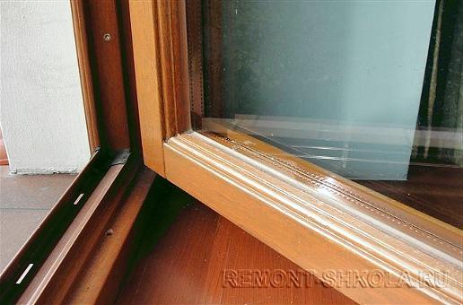 Деревянное окно после ремонта