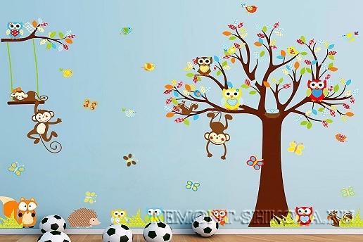 Наклейка сказочное дерево, обезьянки и совы.