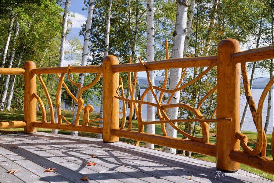 авторский забор из дерева