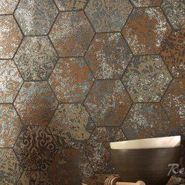 Какая плитка лучше: фарфоровая или керамическая?