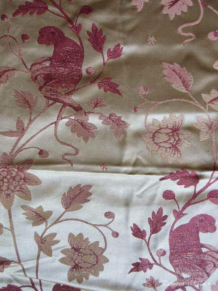 Дамасская ткань с изображением обезьяны