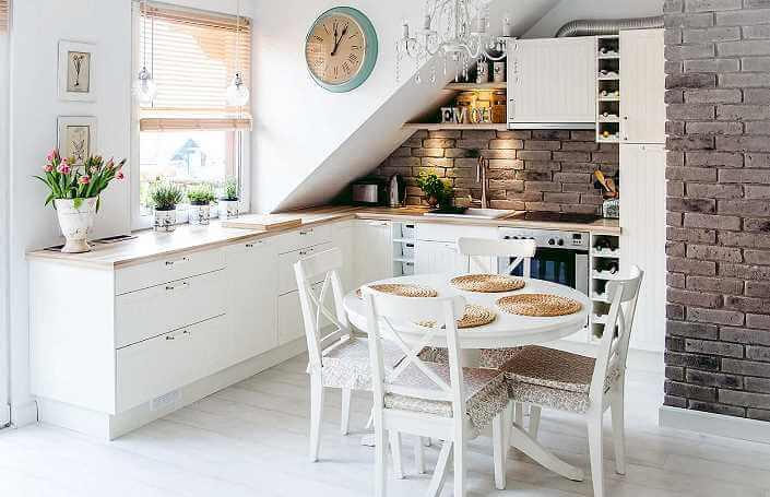 фото интерьер кухни под кирпич