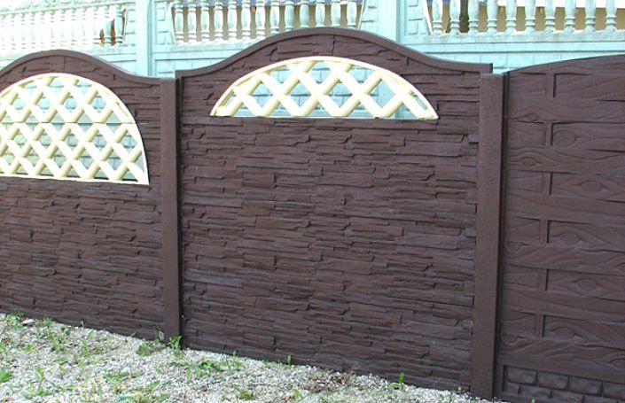 красивый коричневый забор из бетона