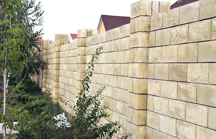 красивый забор из бетонного блока
