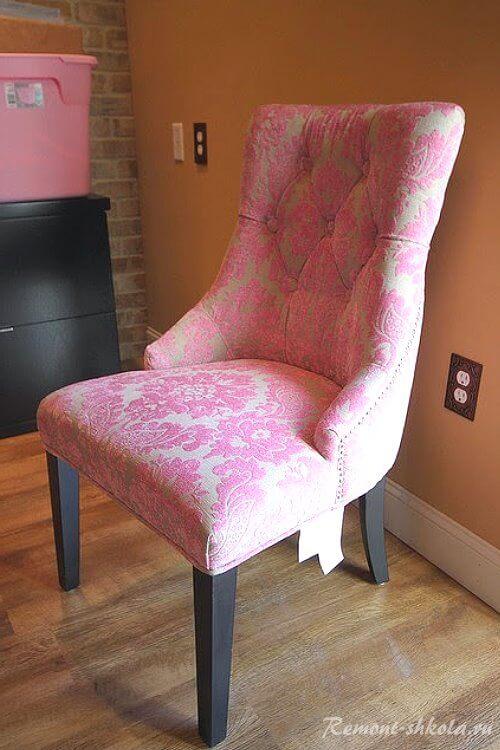 Кресло с обивкой из дамасской ткани-2