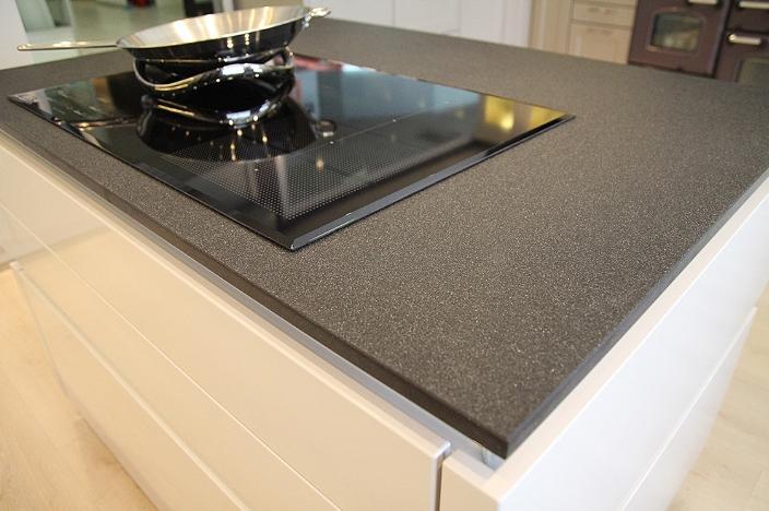 Кухонная столешница из композитного материала