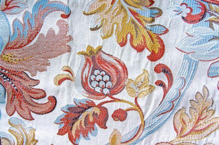Многоцветная ткань дамаск