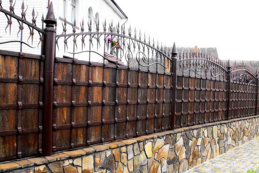 оригинальный кованный забор