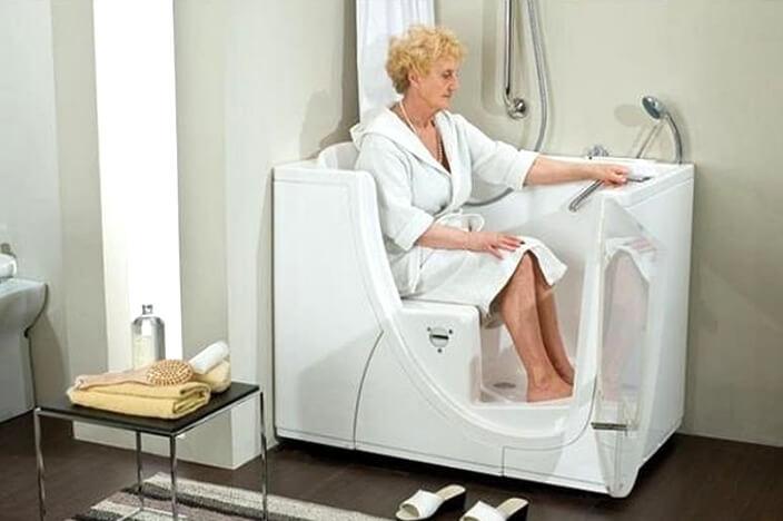 Сидячая ванна для пожилых