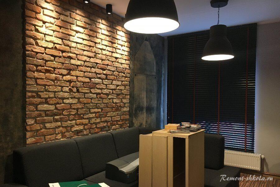 стена облицованная клинкерной плиткой