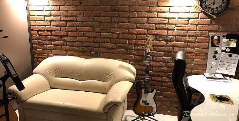 Кирпич на стену