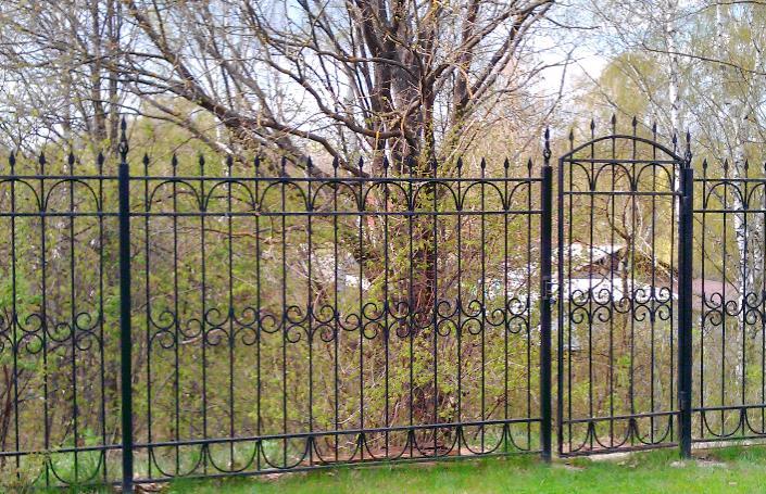 Красивый металлический забор