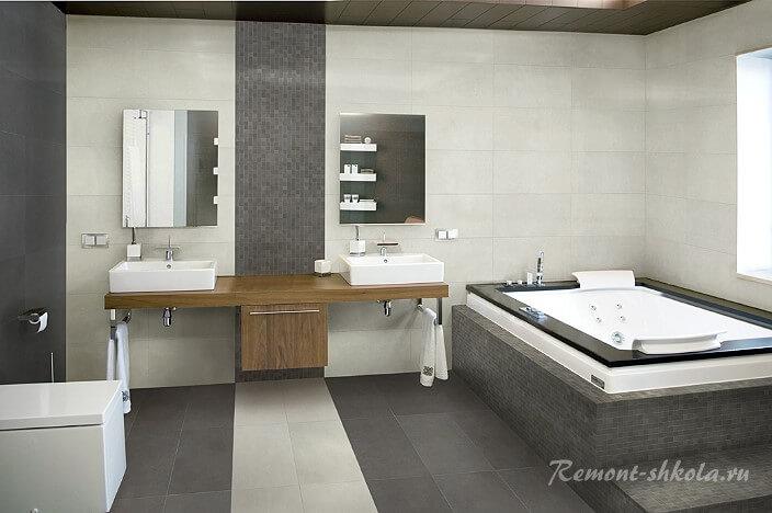 ванная покрытая фарфоровой плиткой