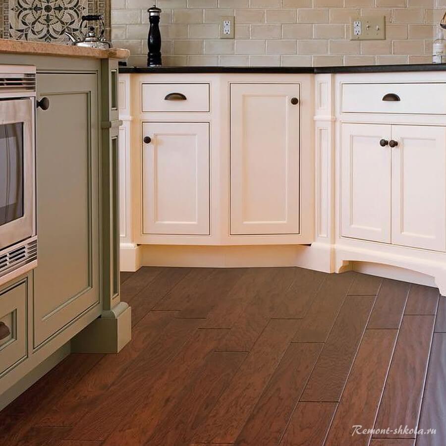 Водостойкий ламинат в интерьере кухни